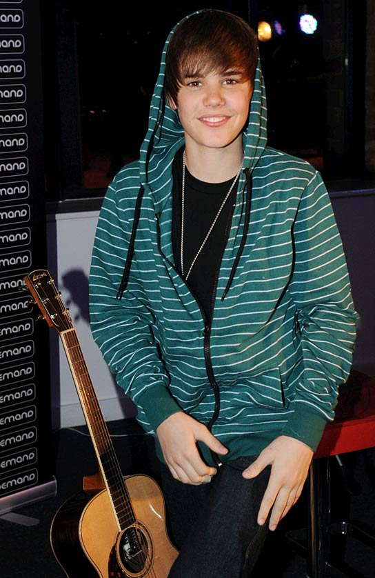 justin bieber pictures 2010. new justin bieber pictures
